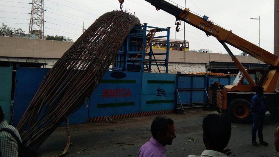 The incident happened around 4pm owing to a malfunction in the crane being used to fix the shutter over the reinforcement