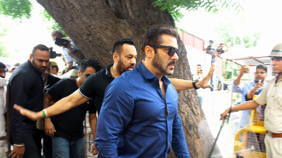 A man claiming to be Salman Khan's bodyguard made a threatening call to a Mumbai woman.