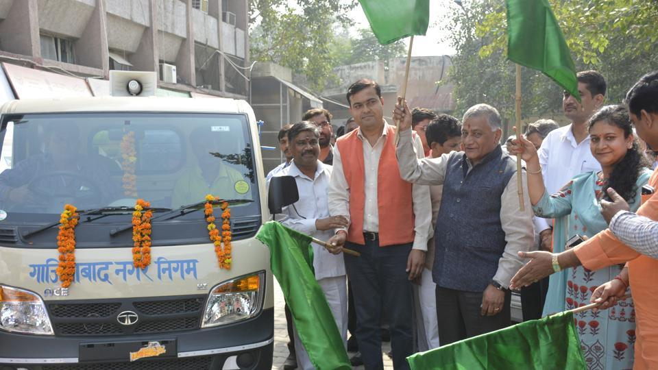 Ghaziabad MP General (retired) VK Singh and district magistrate Ritu Maheshwari on Sunday flagged off 80 new vehicles purchased by the municipal corporation for door-to-door collection of solid waste from 65 residential wards in Ghaziabad. Private agencies will collect waste from remaining 35 wards.