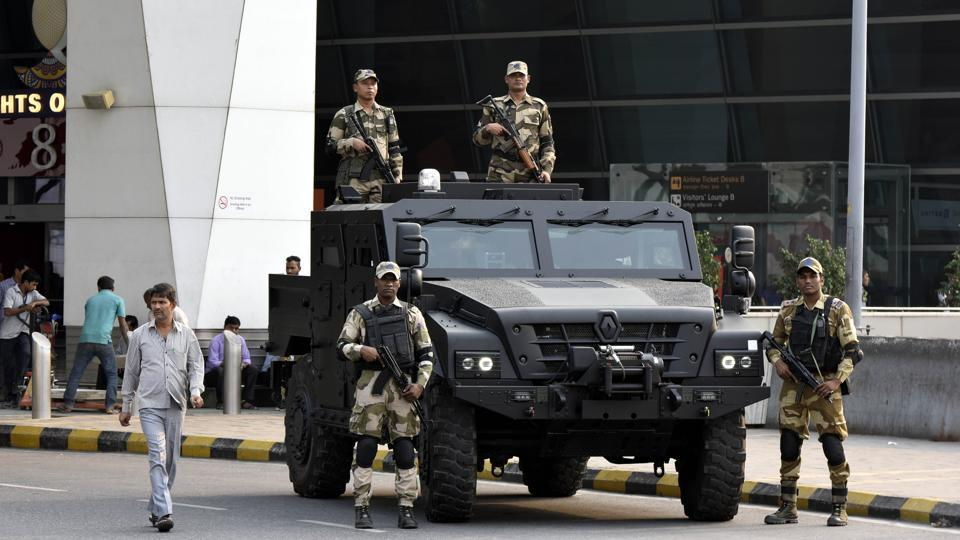 Currently, the vehicle for the CISF personnel is deployed at the departure forecourt of Terminal 3 for most of the day's duration and goes to Terminal 1 for some time. The force plans to use the vehicle in other parts of the country also, especially the Naxal belt. (Vipin Kumar / HT Photo)