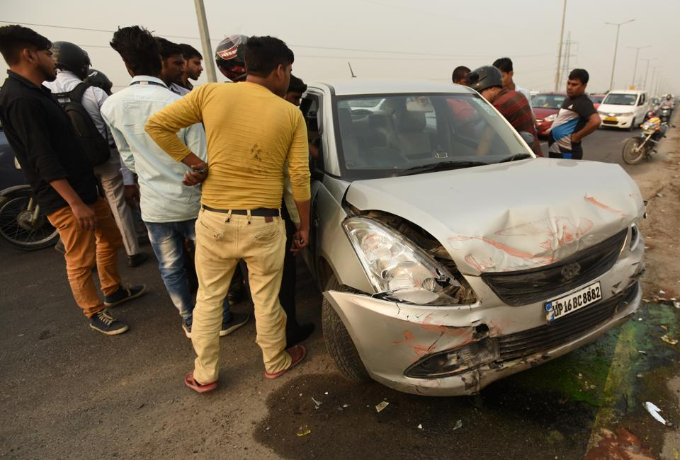 Onlookers informed that the speeding car went out of control and hit the boundary wall of the flyover.