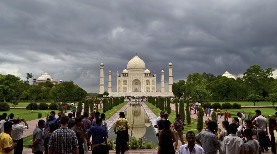 Taj Mahal,Bomb threat,Agra