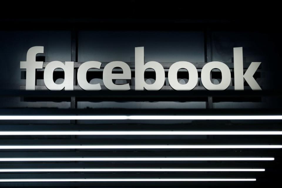 Facebook,Fake accounts,FB