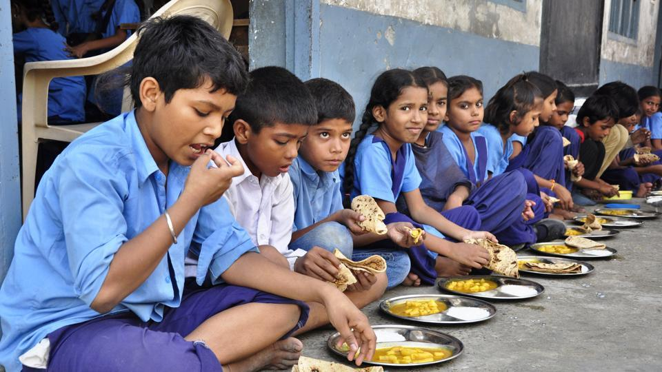 Many students fell ill after taking mid-day meal at a school in Odisha. (HT file photo / representative)