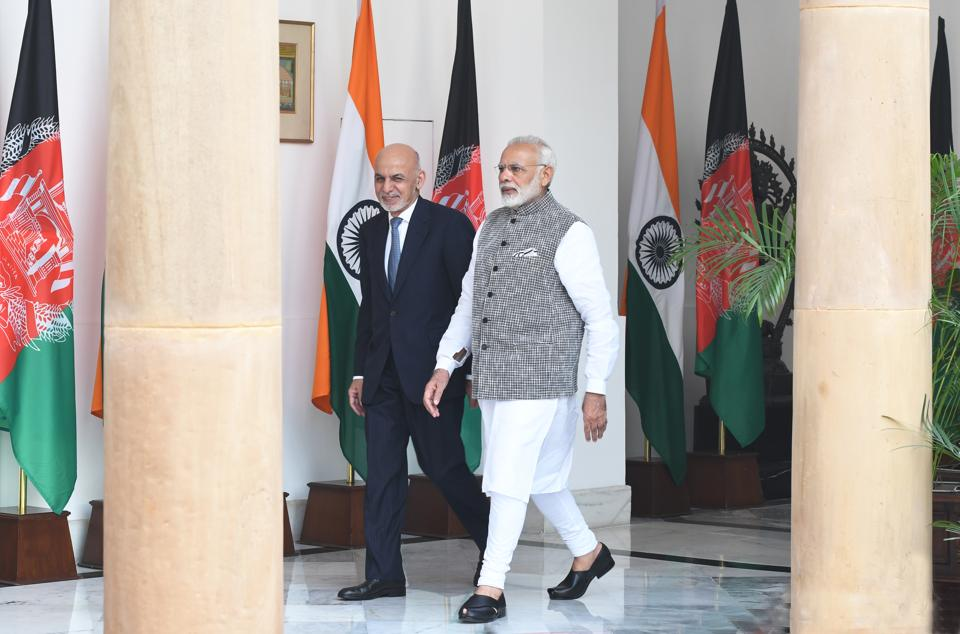 Prime Minister Narendra Modi with Afghanistan President Dr Mohammad Ashraf Ghani at Hyderabad House in New Delhi on October 24, 2017. (Photo by Mohd Zakir/ Hindustan Times)