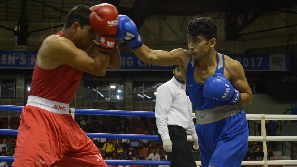 Shiva Thapa (R) won his opening round at the National Boxing Championships in Visakhapatnam on Wednesday.