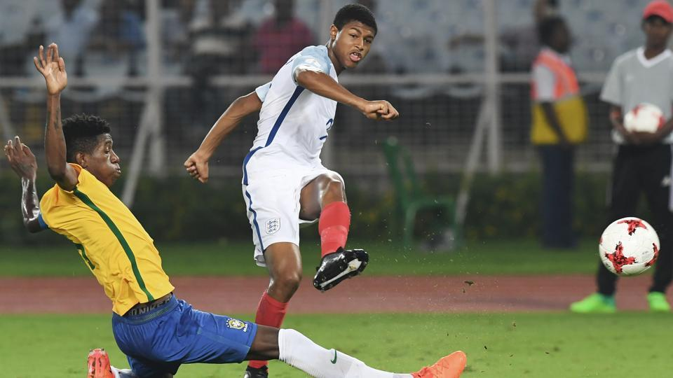 Rhian Brewster(L) of England scored his second consecutive hattrick of the tournament. (AFP)