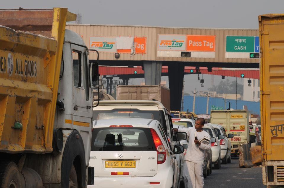 Kherki Daula Toll Plaza,Traffic congestion,No Tag reader functional
