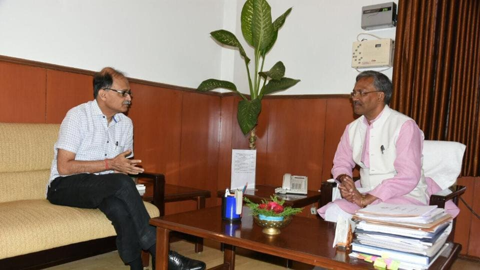 Chief Secretary Utpal Kumar Singh (left)  calls on chief minister Trivendra Singh Rawat on Wednesday after taking charge.