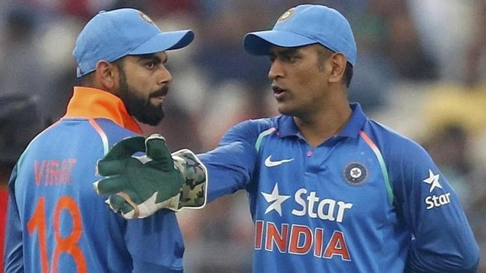 MS Dhoni was caught on stump mic advising and encouraging Kedar Jadhav and Virat Kohli during the 2nd India vs New Zealand ODI in Pune.