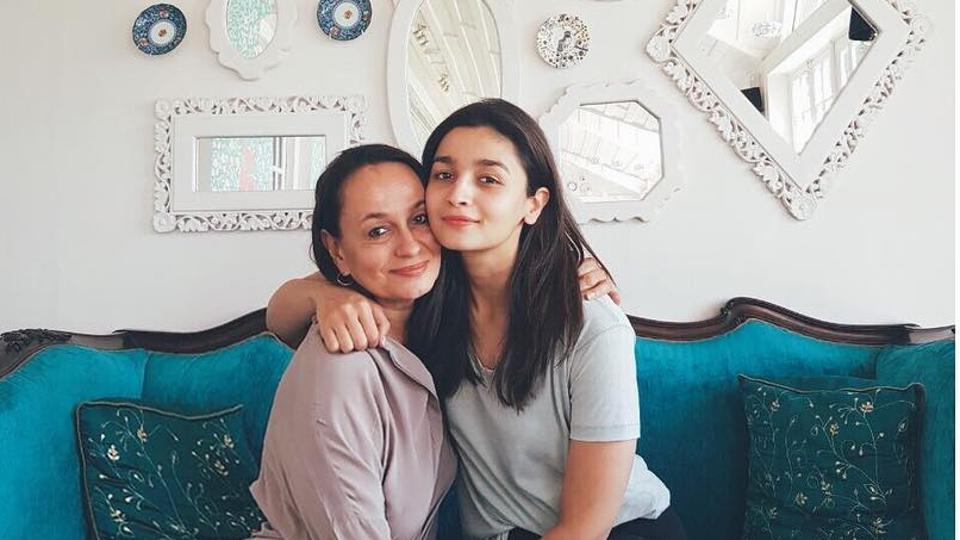 Alia Bhatt,Soni Razdan,ALia Bhatt Mom Birthday