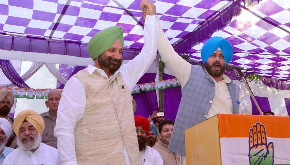 Navjot Singh Sidhu declared Congress MLA from Dera Baba Nanak, Sukhjinder Randhawa as 'Majhe da Jarnail (commander) since Congress candidate Sunil Jakhar  had won the election.