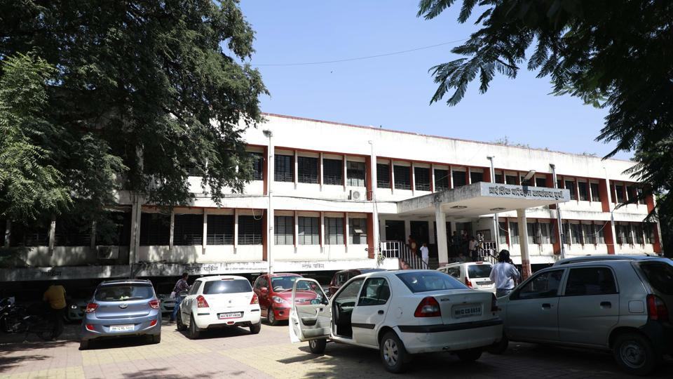 Official said that there would be a one window system at the RTO office at Sangam bride from November 1 where applicants would be expected to submit their filled forms, documents and the receipt of fee paid online.