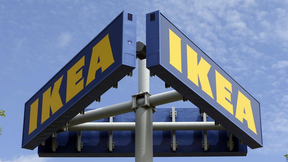 Ikea has pulled out an ad that was termed sexist in China.