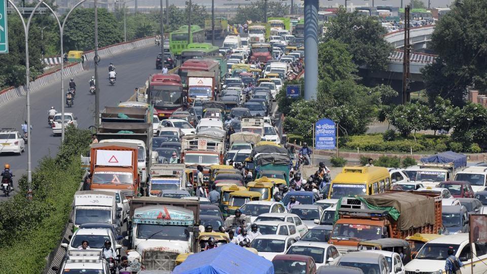 traffic,jams,Noida