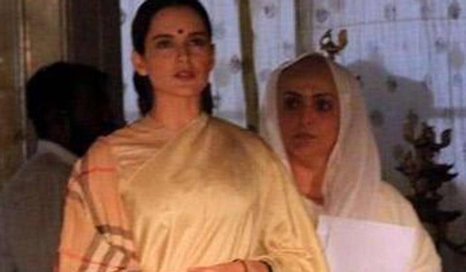 Kangana Ranaut shoots for Manikarnika in Jaipur and leaked pictures from the sets have made their way onto the internet.