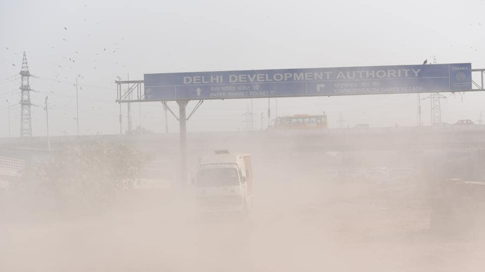 Dust from new road construction site at NH-24 near Ghazipur in New Delhi, India, on October 24.