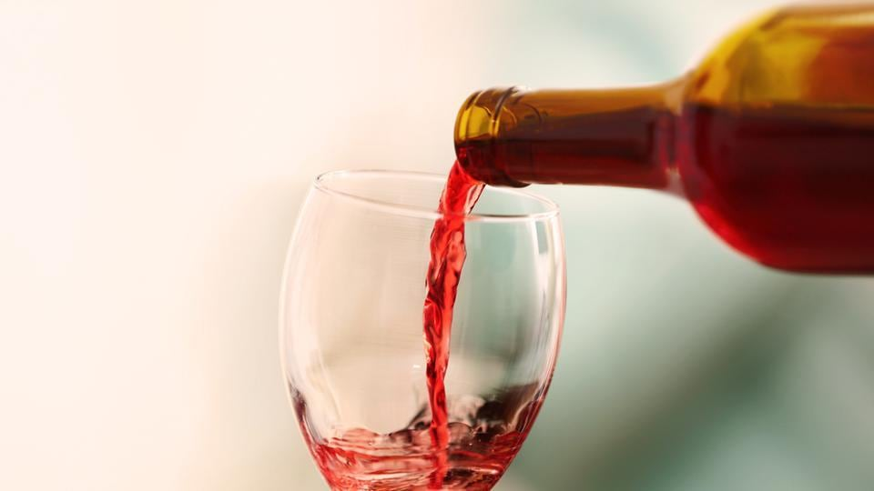 Consume moderate amounts of red wine if you are trying to conceive a baby.
