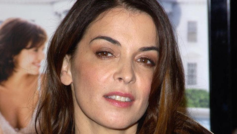 Annabella Sciorra accuses Harvey Weinstein of rape: He ...