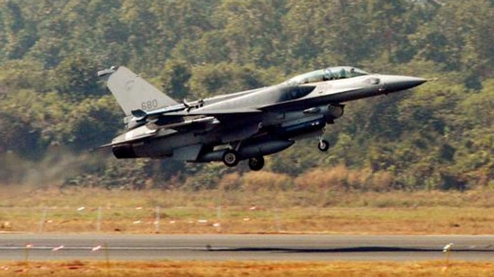F-16,F-18,F-16 fighter jets