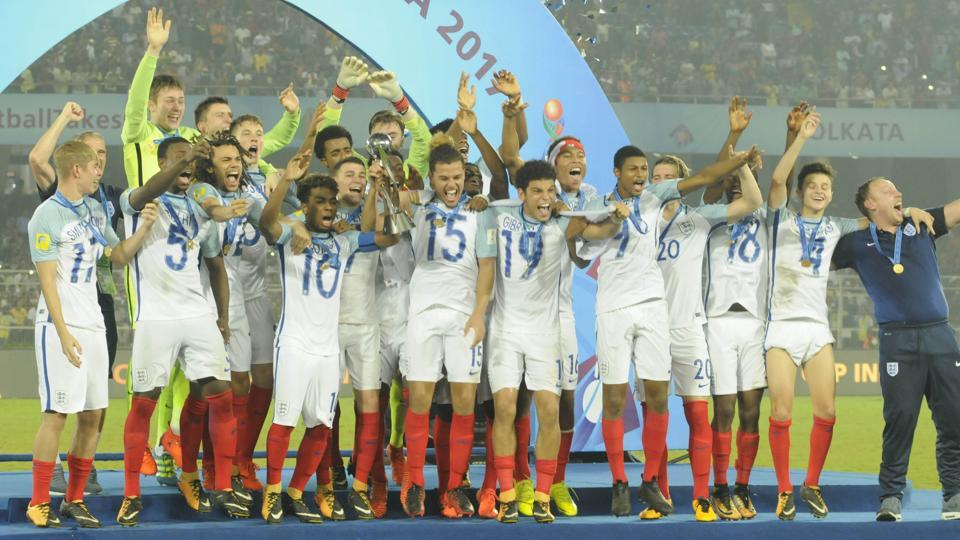 England won their maiden FIFA U-17 World Cup title after beating Spain 5-2 in Saturday's final at the Salt Lake Stadium in Kolkata. (Samir Jana/HT PHOTO)