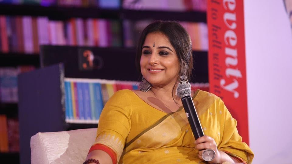Author-columnist Shobhaa De in conversation with Vidya Balan during the session Zara Sa Jhoom Lu Main of Penguin Fever.
