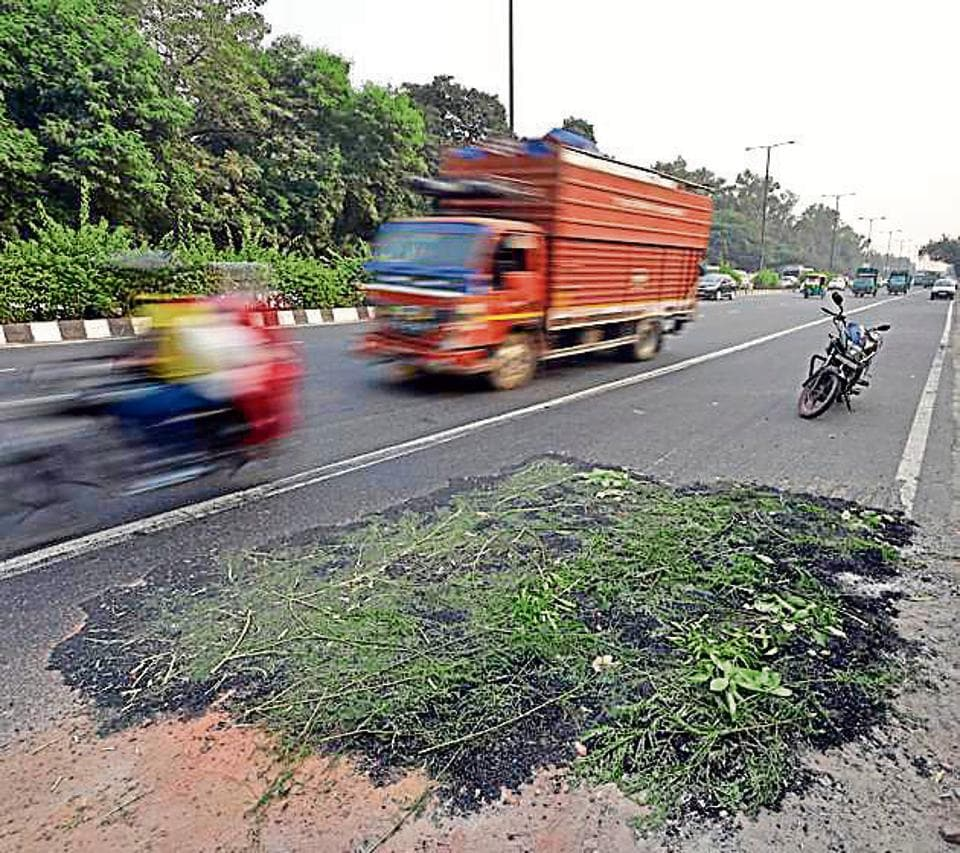 pothole death,CCTV,delhi