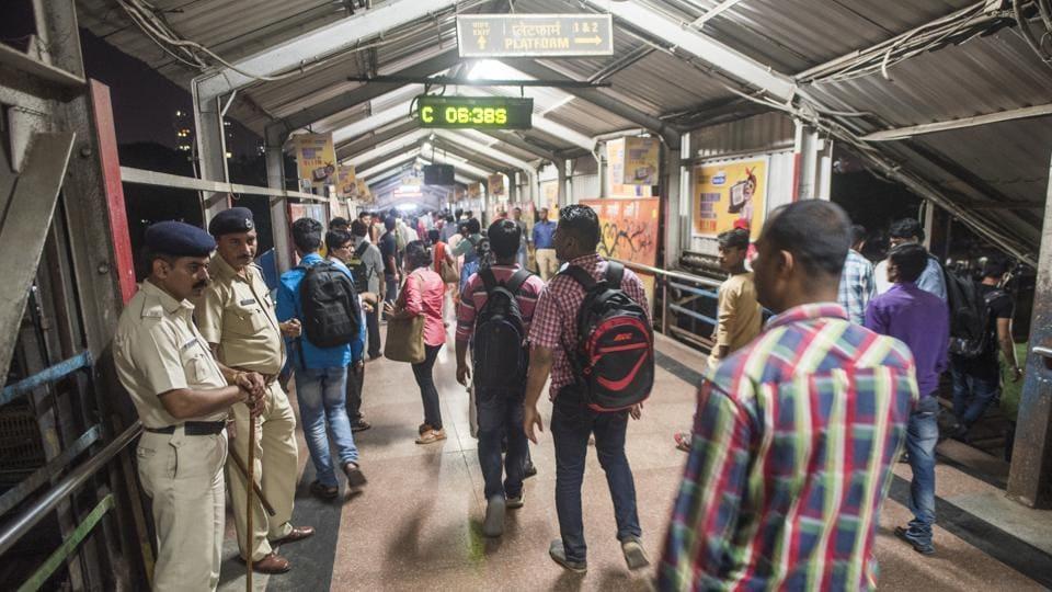 Elphinstone Road station stampede,Mumbai commute,Mumbai stampede