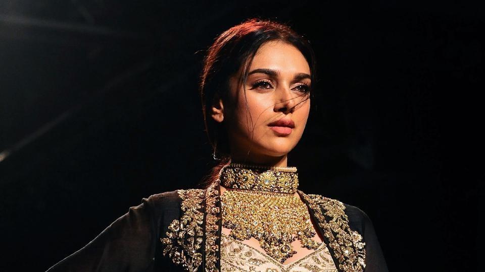 Aditi Rao Hydari showcases a creation by designer Jayanti Reddy at the Lakme Fashion Week.