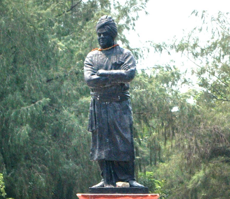 A statue of Vivekananda at the University of Delhi. Detractors of the BJP government say that the directive will turn colleges into places where personality cults are worshipped.