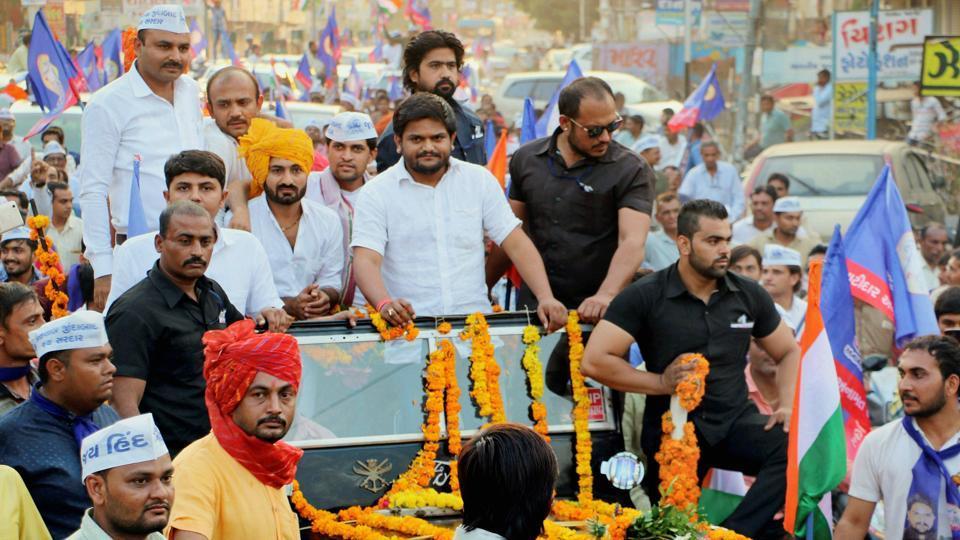 Patidar Anamat Andolan Samiti (PAAS) convener Hardik Patel at a road show in Bhavnagar, Gujarat.