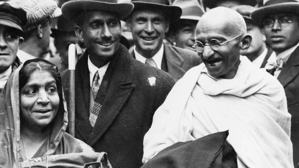 Mahatma Gandhi (right)at Boulogne station with Sarojini Naidu (left), on his way to England to attend the Round Table Conference as the representative of the Indian Nationals.