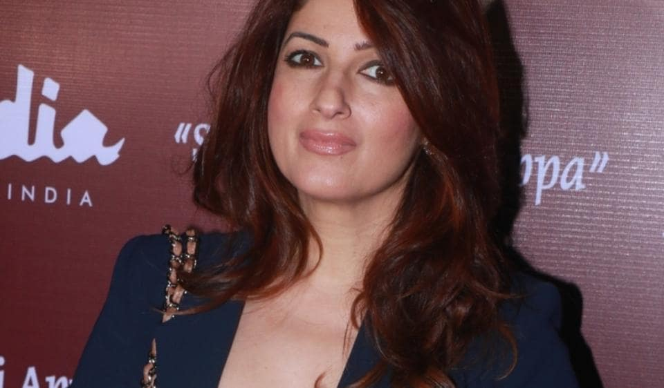 Twinkle Khanna has supported husband Akshay Kumar in the controversy involving the actor and comedian Mallika Dua.