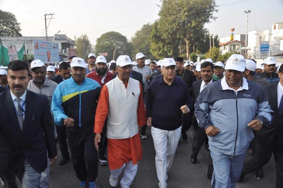 """Uttarakhand Governor KKPaul and chief minister Trivendra Singh Rawat  participate in the """"Run for Unity"""" in Dehradun on Tuesday."""