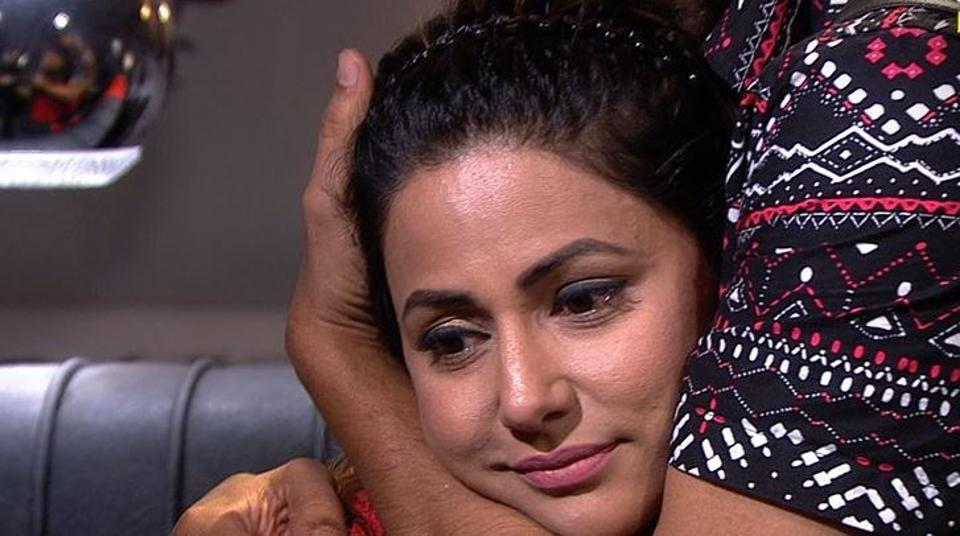 In Bigg Boss 11, Hina Khan made Puneesh beg and apologise before she let him have immunity in this week's nomination process.