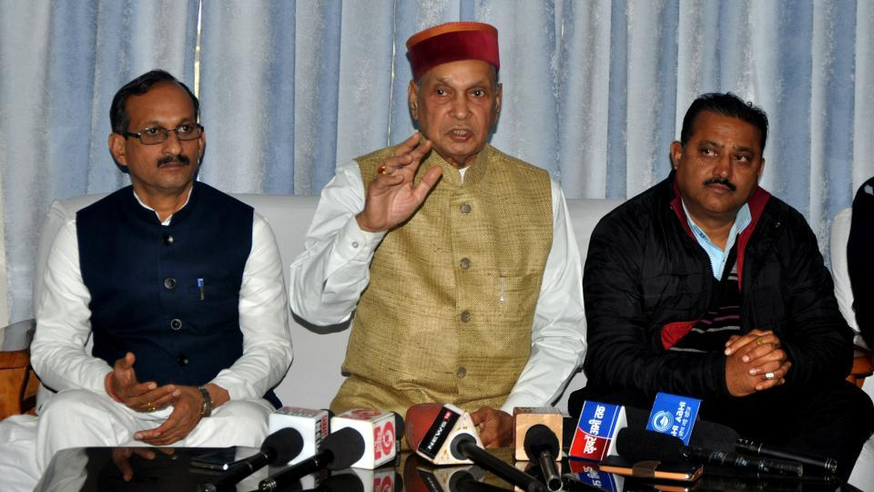 Prem Kumar Dhumal's (centre) mass connect in the hill state seems to have tipped the scale in his favour.