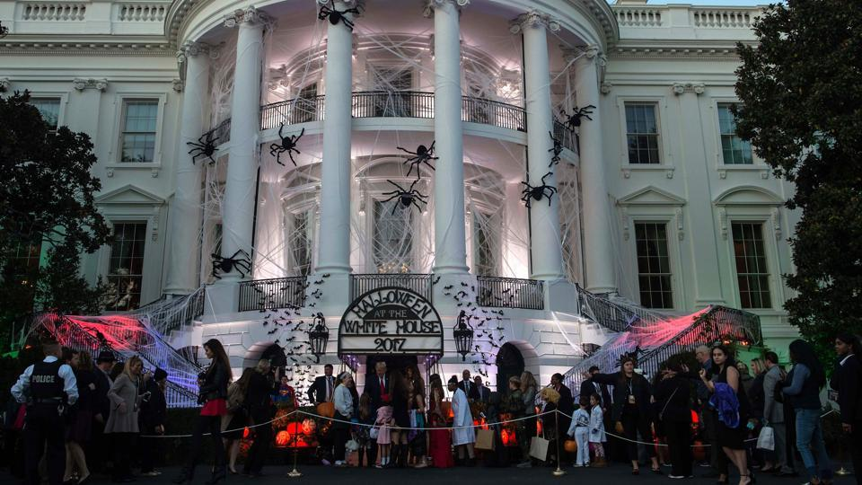 http://www.hindustantimes.com/rf/image_size_960x540/HT/p2/2017/10/31/Pictures/event-donald-trump-halloween-first-children-melania_ac997412-be2c-11e7-922e-12a52d781256.jpg