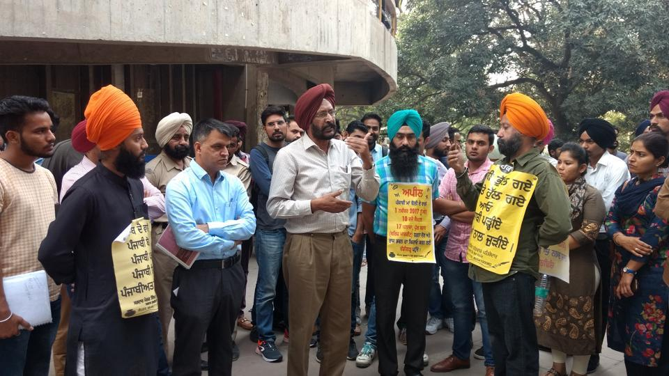 Professor Sukhdev Singh from the department of Punjabi addressing students during an event organised to demand restoration of Punjabi on signboards on the Punjab University campus.