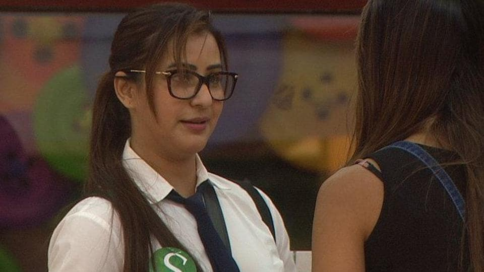 In Bigg Boss 11's Tuesday episode, Shilpa Shinde and Hina Khan collude to defeat Vikas Gupta.