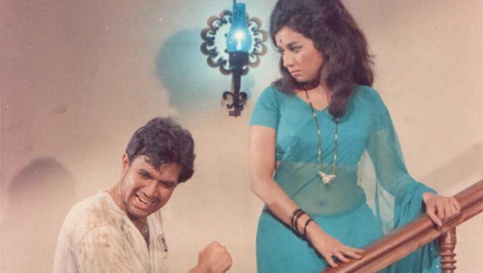 Rajesh Khanna and Nanda in a still from Ittefaq.