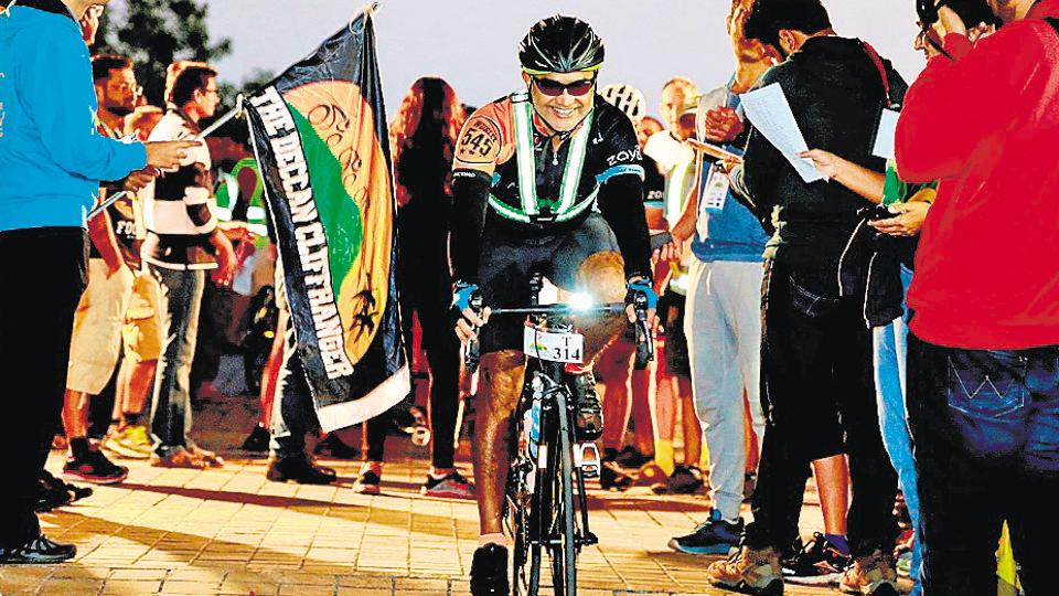 The flag-off of the fourth edition of Deccan Cliffhanger from Pune in 2016.