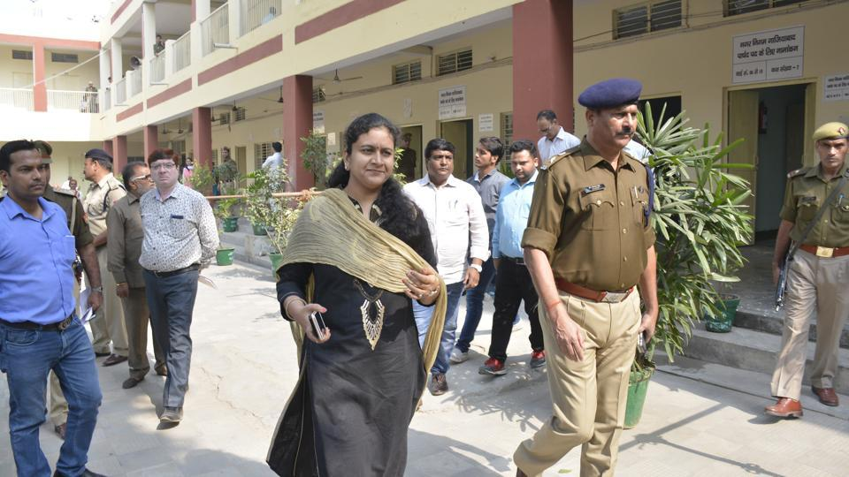 Senior district officials on Wednesday inspected all nomination centres which have come up in Ghaziabad.