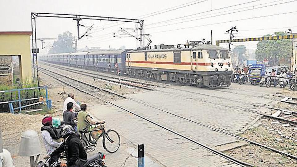 There are 496 level crossings in the North Western Railway zone, out of which 175 will be closed by the end of the financial year. Photo