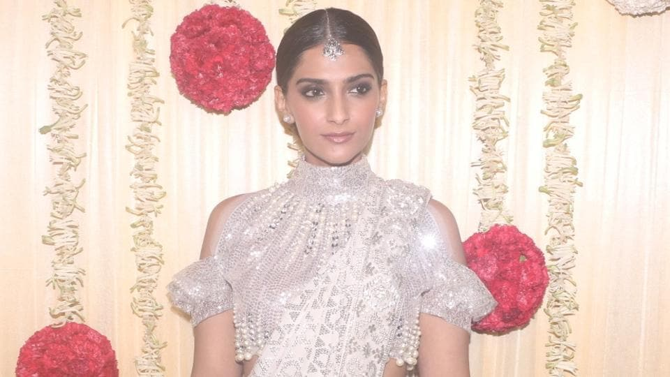 Mumbai was the most polluted city in Maharashtra during Diwali, and Sonam Kapoor can feel it.