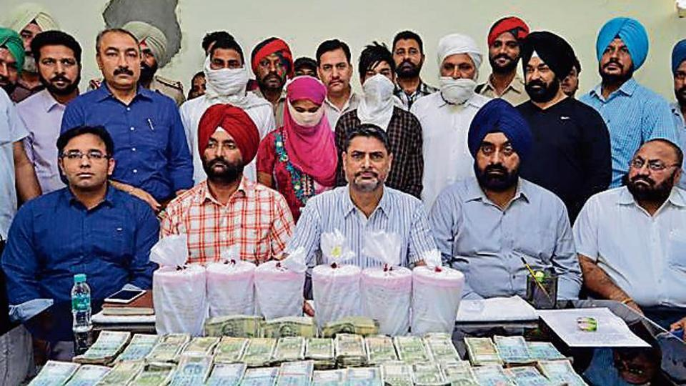 Indo-Pak border,93kg heroin,Vicky Gounder gang