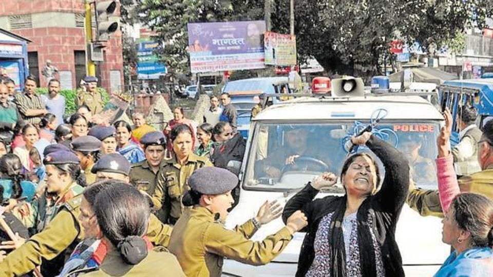 Members of Mahila Manch protest at Clock Tower in Dehradun on November 18. The demand for declaring Gairsain as the state capital has been a long-standing one in Uttarakhand.