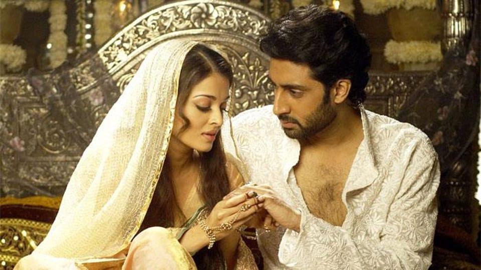 Abhishek Bachchan and Aishwarya Rai Bachchan in a still from Umrao Jaan.