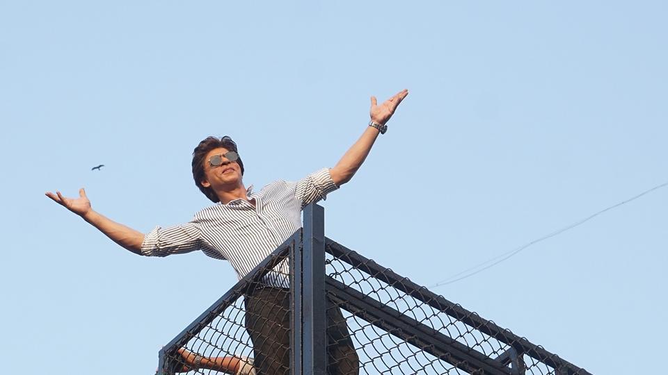 Shah Rukh Khan greets fans gathered outside his house, Mannat, on his 52nd birthday. (Prodip Guha/HTPHOTO)