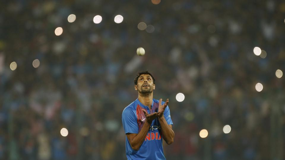 Ashish Nehra played his final cricket match at the Feroz Shah Kotla against New Zealand in a Twenty20 International.  (AP)