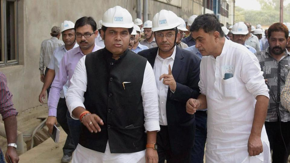 Union power minster RK Singh with UP power minister Srikant Sharma visiting the Unchahar NTPC plant where a boiler pipe explosion claimed several lives, in Rae Bareli district on Thursday.